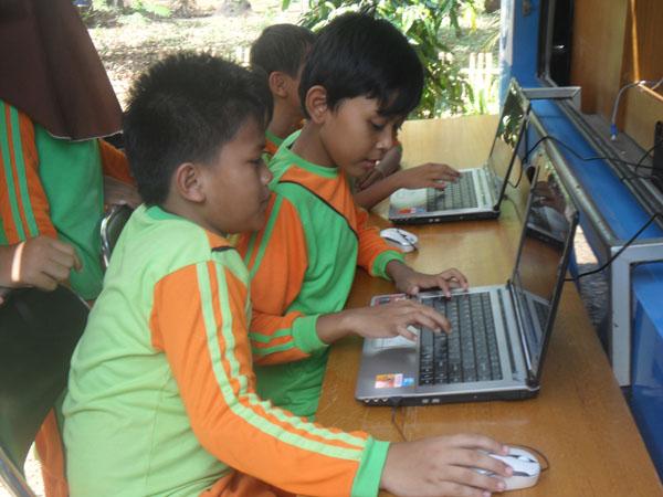 60 SISWA MIM BANDINGAN IKUTI PELATIHAN ICT