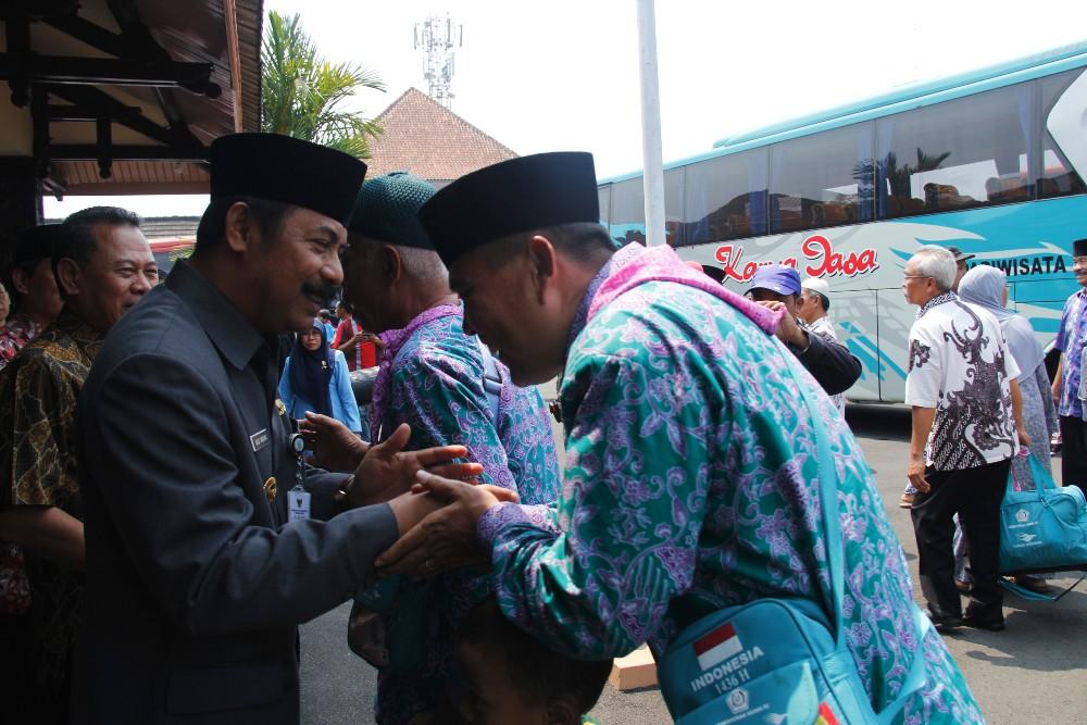 Pj Bupati Sambut Kepulangan Jamaah Haji Purbalingga